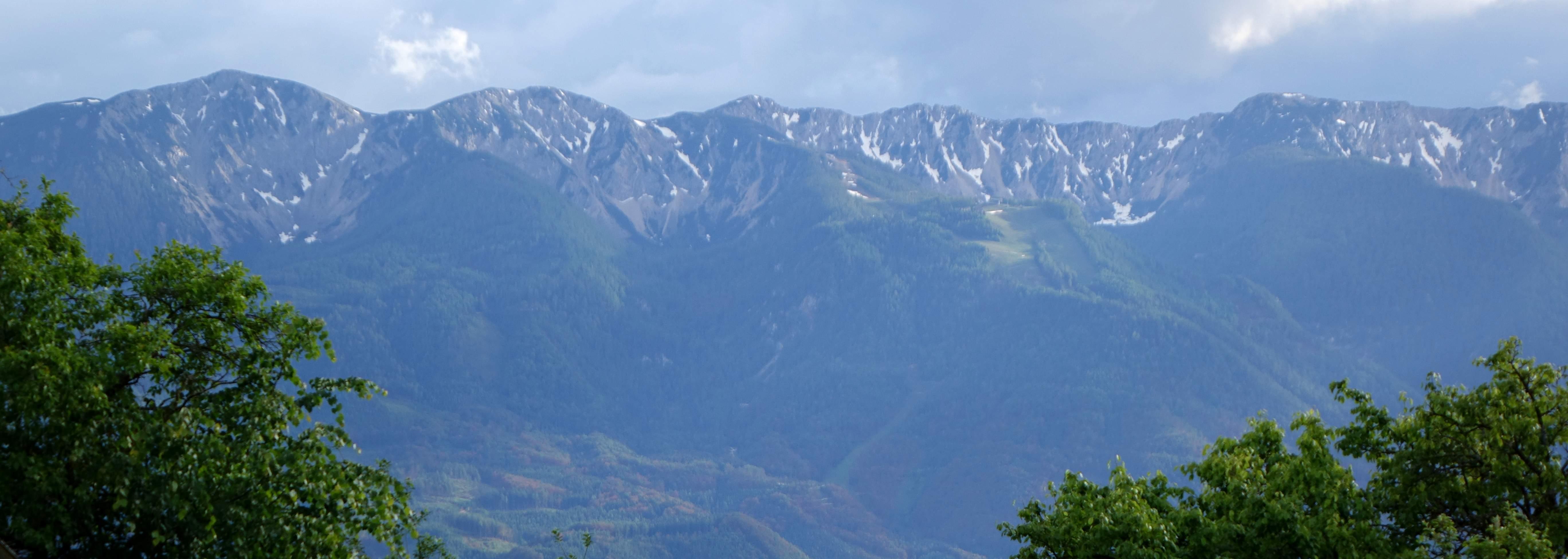 הנוף מהחווה בסלובניה- ברוכים הבאים!