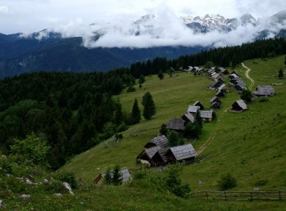 כפרי רועים נידחים באלפים היוליים