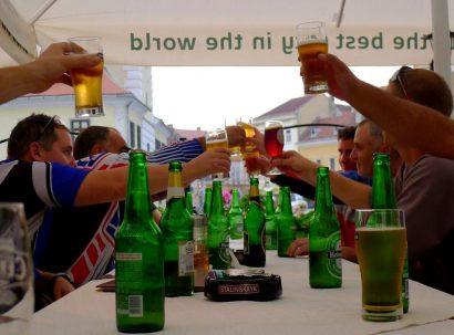 מרימים כוס בירה בברשוב- לחיים!